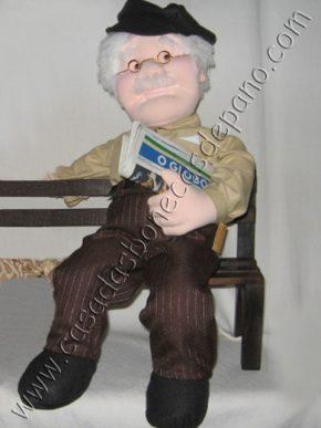Boneco vovô escultura em tecido